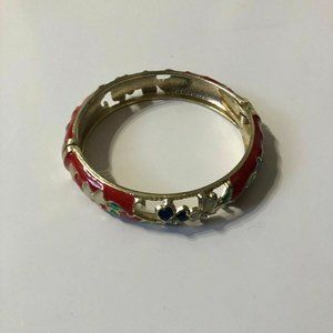 """8.25"""" Gold Plated Floral Accent/Red Lucite Braclet"""